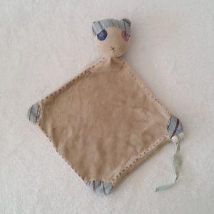 Doudou plat Chat Pirate gris foulard rayé OBAIBI