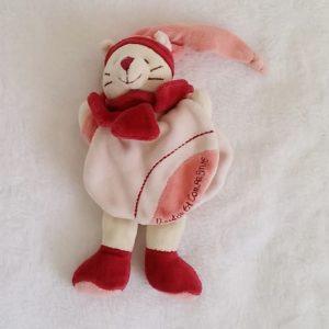 Doudou Chat Minouchette rose bordeaux avec cape DOUDOU ET COMPAGNIE