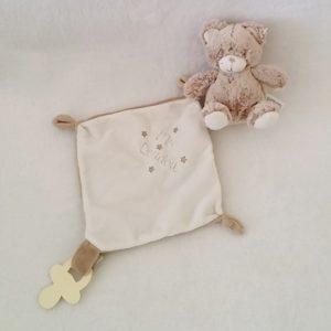 Doudou Ours marron chiné blanc mouchoir «mon doudou» attache tétine TEX