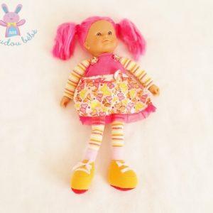 Doudou Poupée cheveux rose rayée robe papillons 38 cm COROLLE