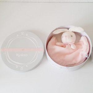 Doudou plat Lapin rond rose perle KALOO