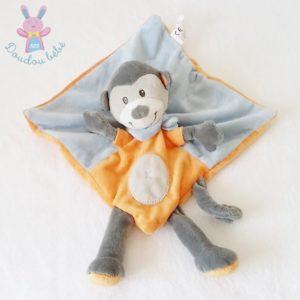 Doudou plat Singe gris orange bleu bandana NICOTOY