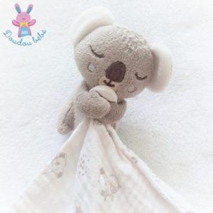 Doudou Koala beige blanc mouchoir lange MAISONS DU MONDE