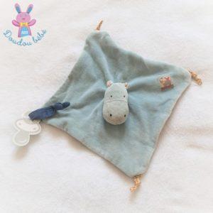 Doudou plat Hippopotame Les Papoum bleu attache tétine MOULIN ROTY