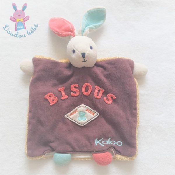 Doudou marionnette Lapin marron rouge bleu BISOUS KALOO