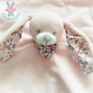 Doudou plat Lapin rose pâle fleurs «mon doudou» BOUT'CHOU